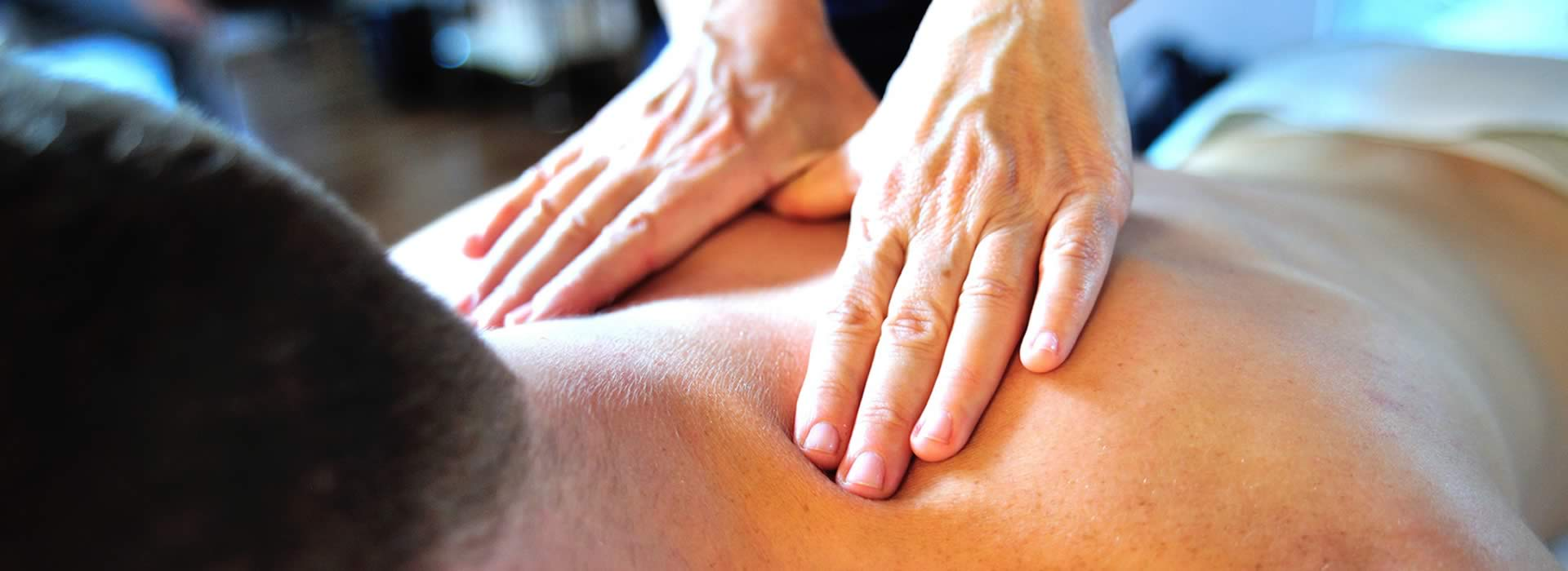 02_klangzentrum-therapie-massage-mann.jpg